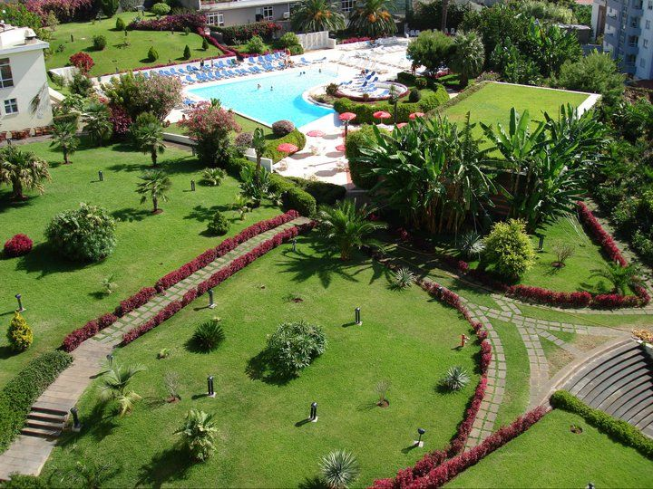 Hotel Garden and Pool