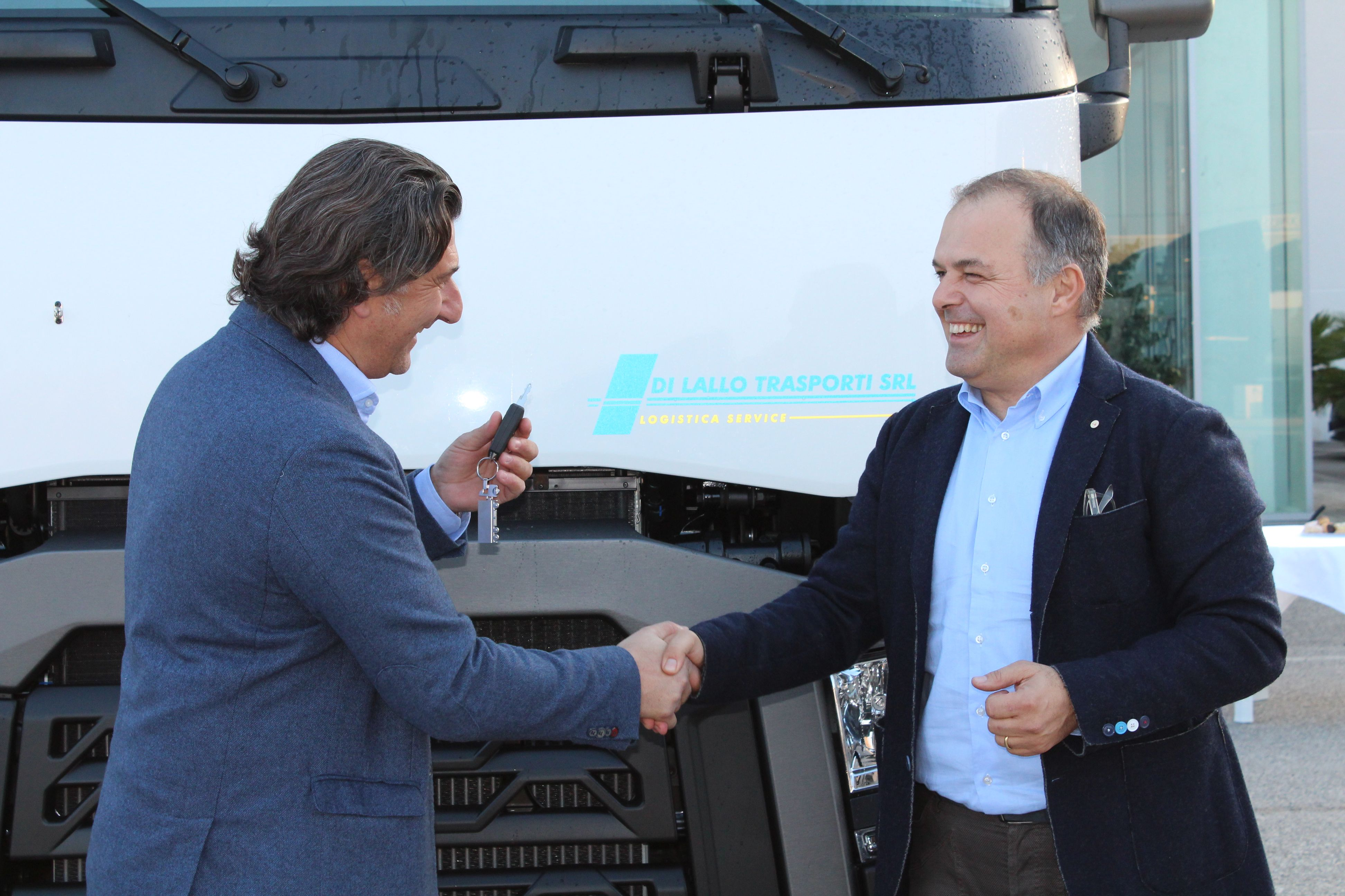 Parte-posteriore-camion-renault