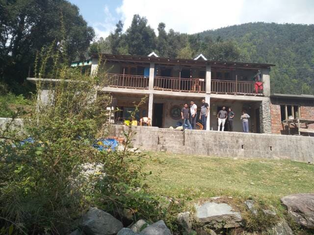 gest house in salli valley