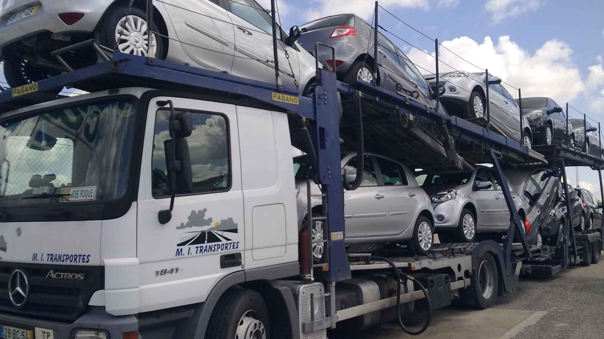 Transporte de automóveis - MI transportes de veiculos