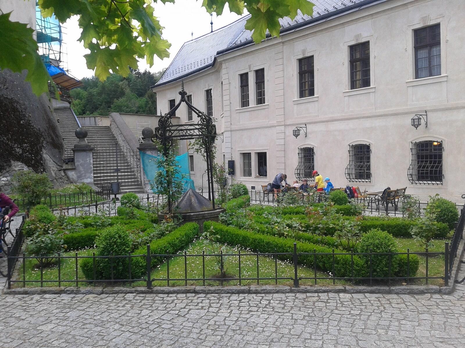 Konopiště – Český Šternberk – MARFIS TOUR s.r.o.