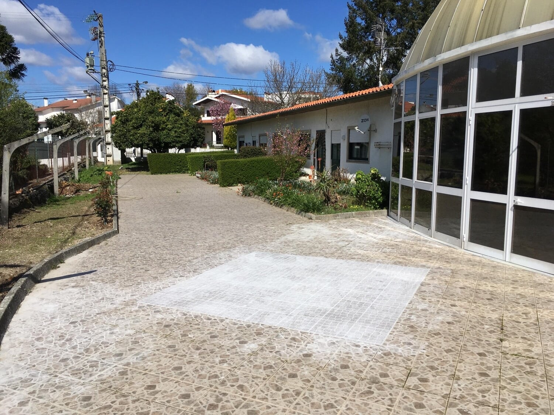 Casinhas (Traseiras) - Aplicação de Pavimento Mosaico