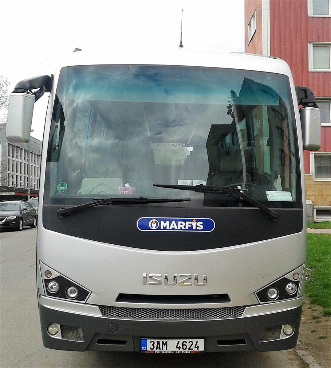 Isuzu - pronájmy mikrobusů a autobusů MARFIS Praha
