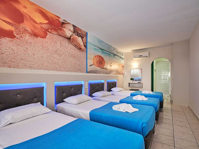 Quadruple room - Savvas De Mar Hotel