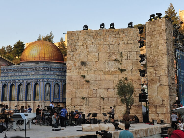 Set for a concert by Roberto Carlos-Israel A