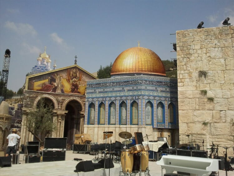 Set for a concert by Roberto Carlos-Israel C2