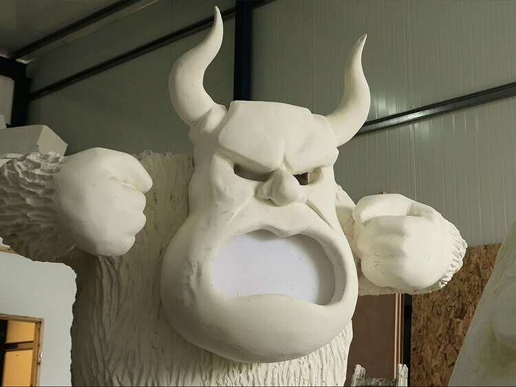 Sculpting giant monsters for a museum exhibition D2
