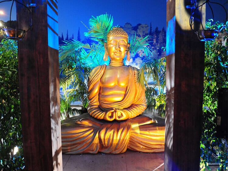 Sculpting a giant Buddha for private event
