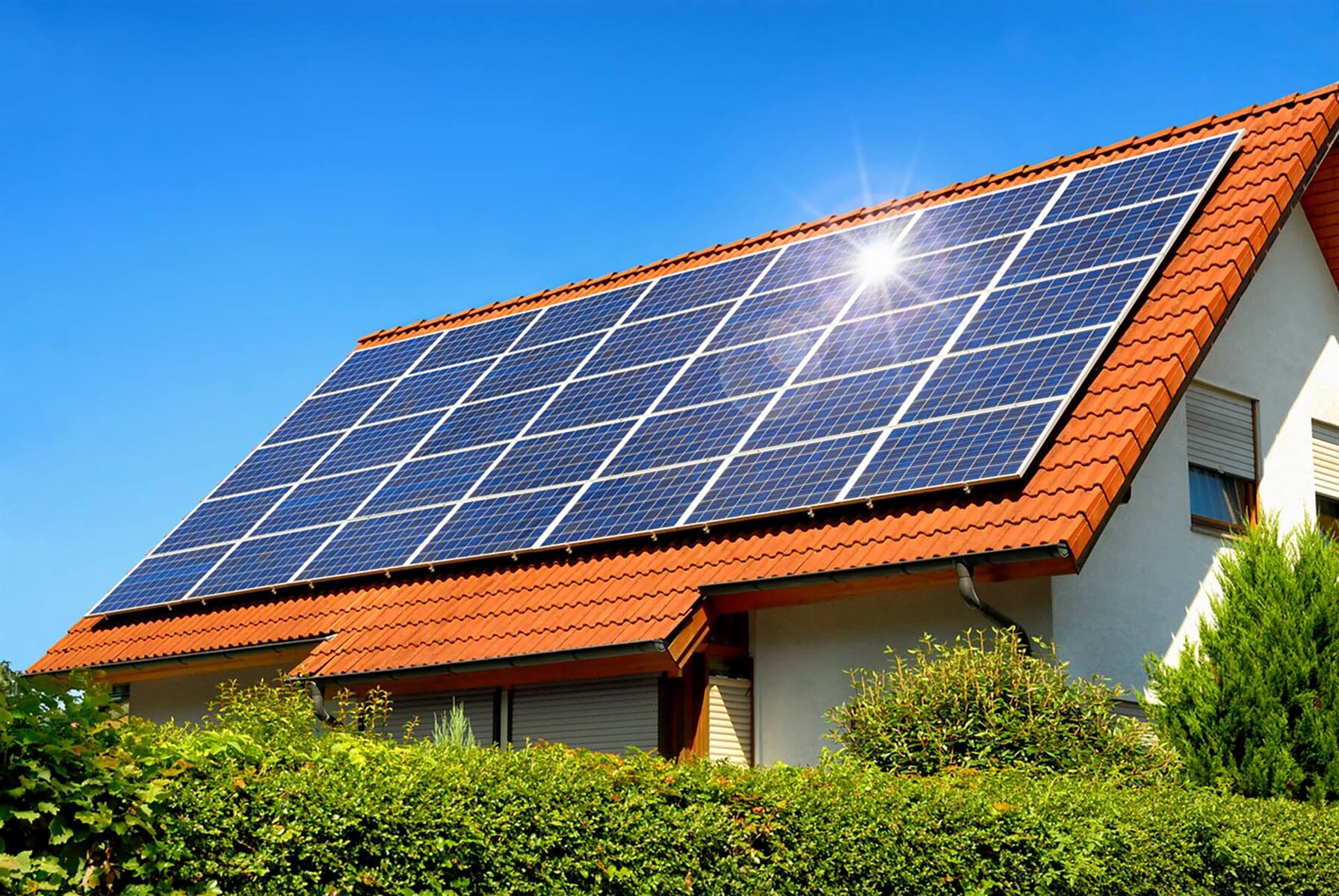 Solar-panel-on-a-red-roof-525206743_1254x839 (1)