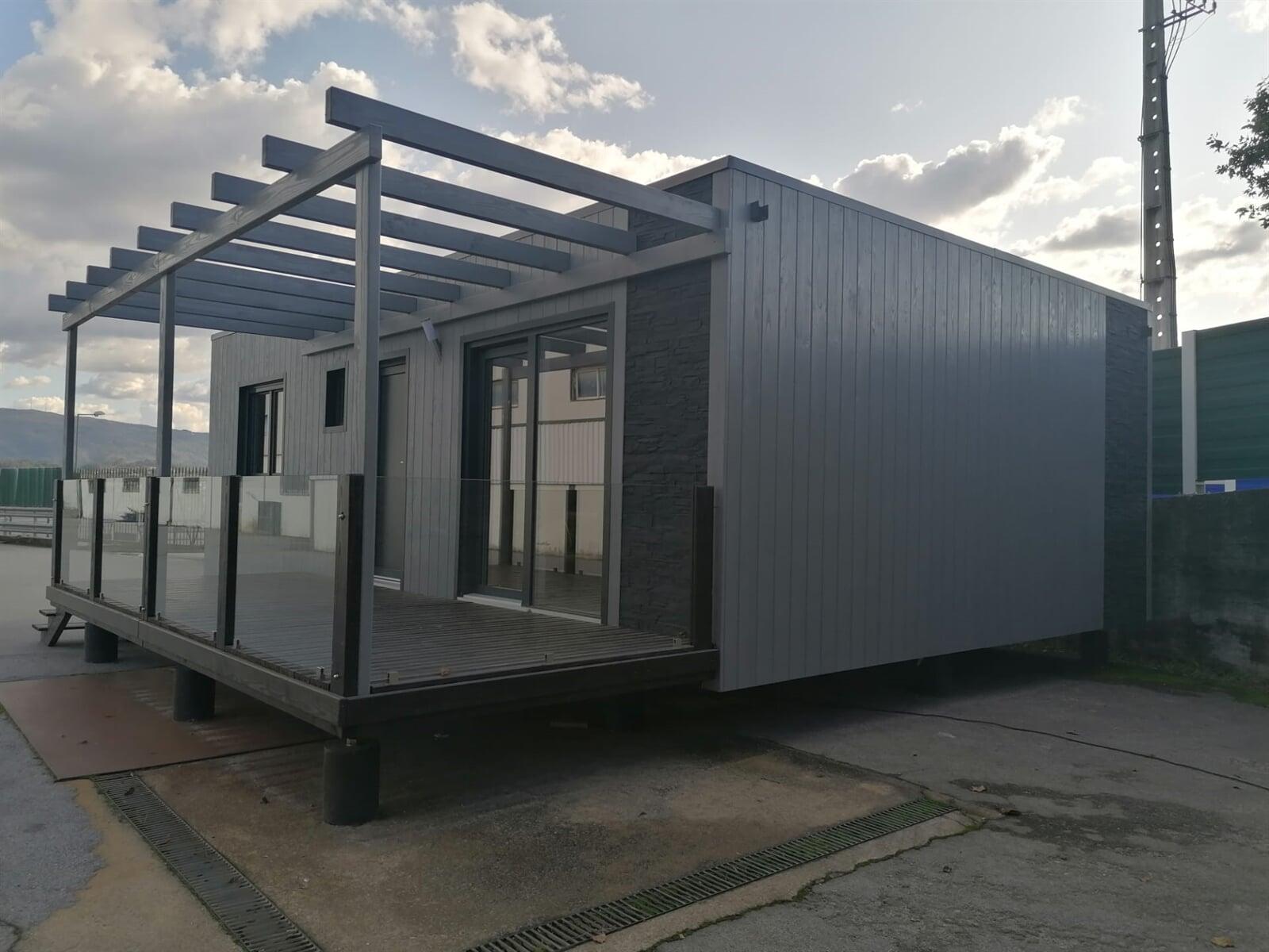 Casa DIFF - Casa de Madeira Fixa T1+1 com 70M²