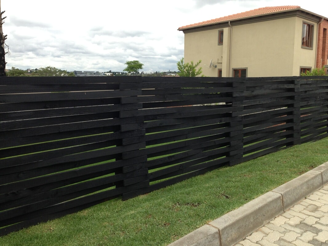 Woven Horizontal Fencing